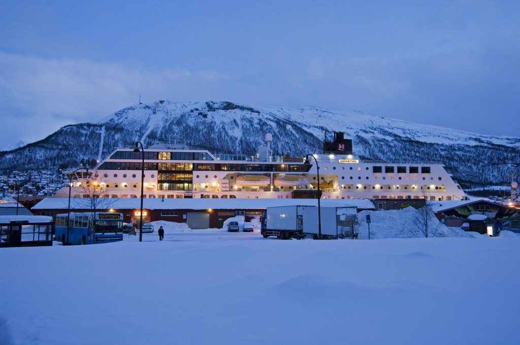 MS Midnatsol at port in Troms¿
